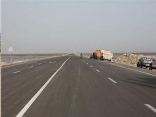 اهمیت این بزرگراه علاوه بر کاهش خطر تصادفات جاده ای، نقش به سزایی می تواند در توسعه ی زیرساختهای اقتصادی منطقه داشته باشد